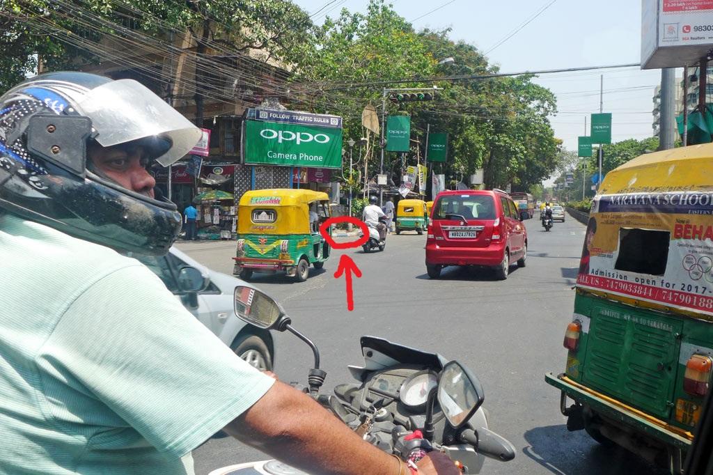 Mädchenwohnheim: Unterwegs in Kalkutta: Hat die Stadt ein Erkennungszeichen? Ja, aber man muss schon genau hinschauen.