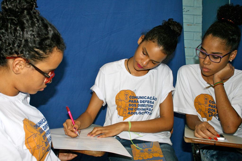 Im Workshop diskutieren die Teilnehmer nicht nur darüber, was nicht gut ist in ihrem Viertel. Sie wollen etwas verändern!