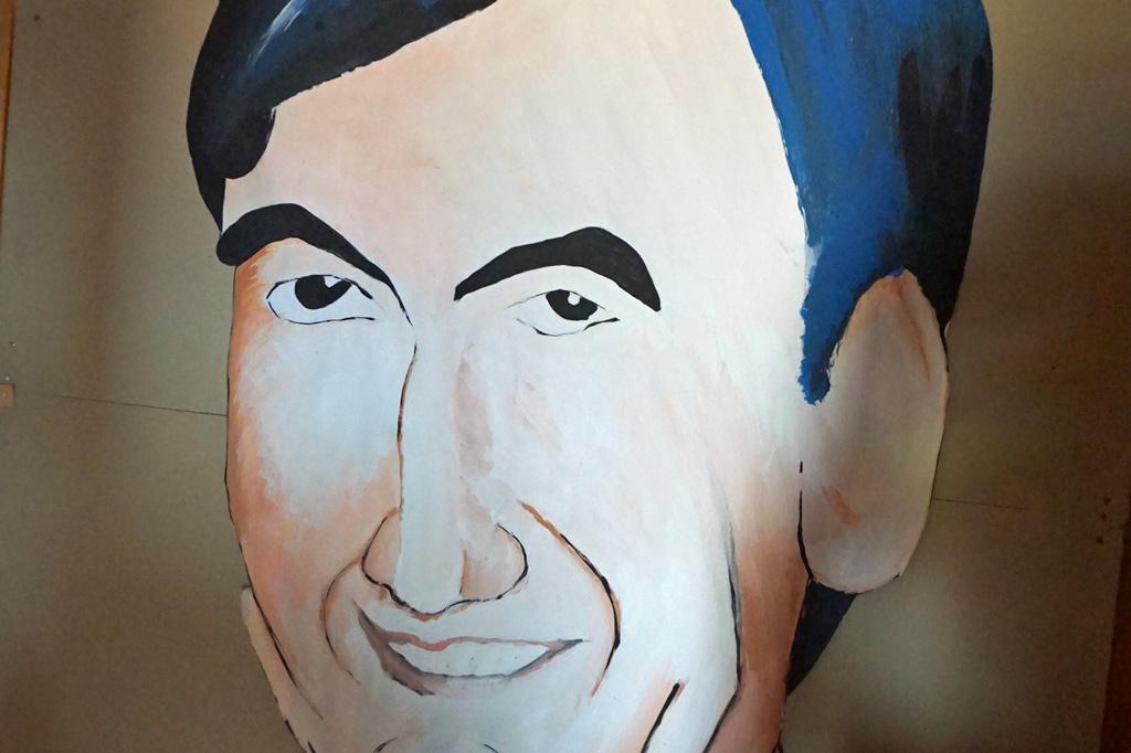 Bildnis von Pater André Jarlan, ermordet von der Militärpolizei zur Zeit der Pinochet-Diktatur. La Victoria – gelebter Widerstand