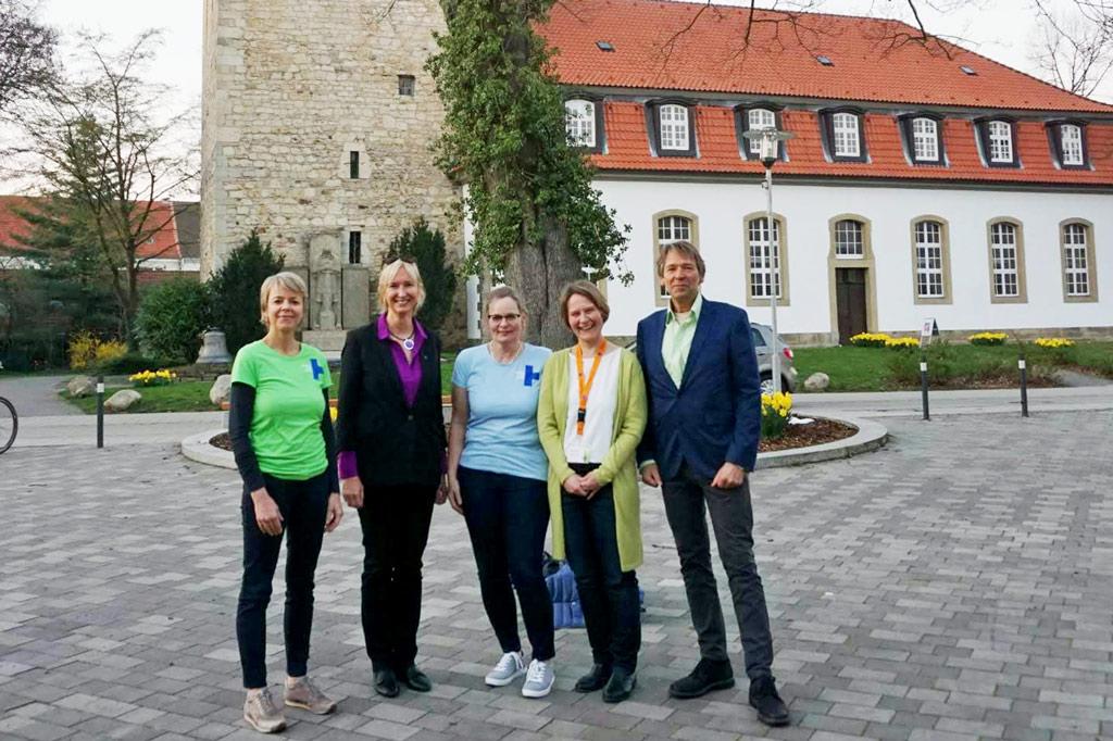 Gruppenbild mit den Aktiven des Arbeitskreises. Links neben mir Claudia Bartels-Krupp, auf der anderen Seite Birte Jordt, Tina Korte und Matthias Romanus