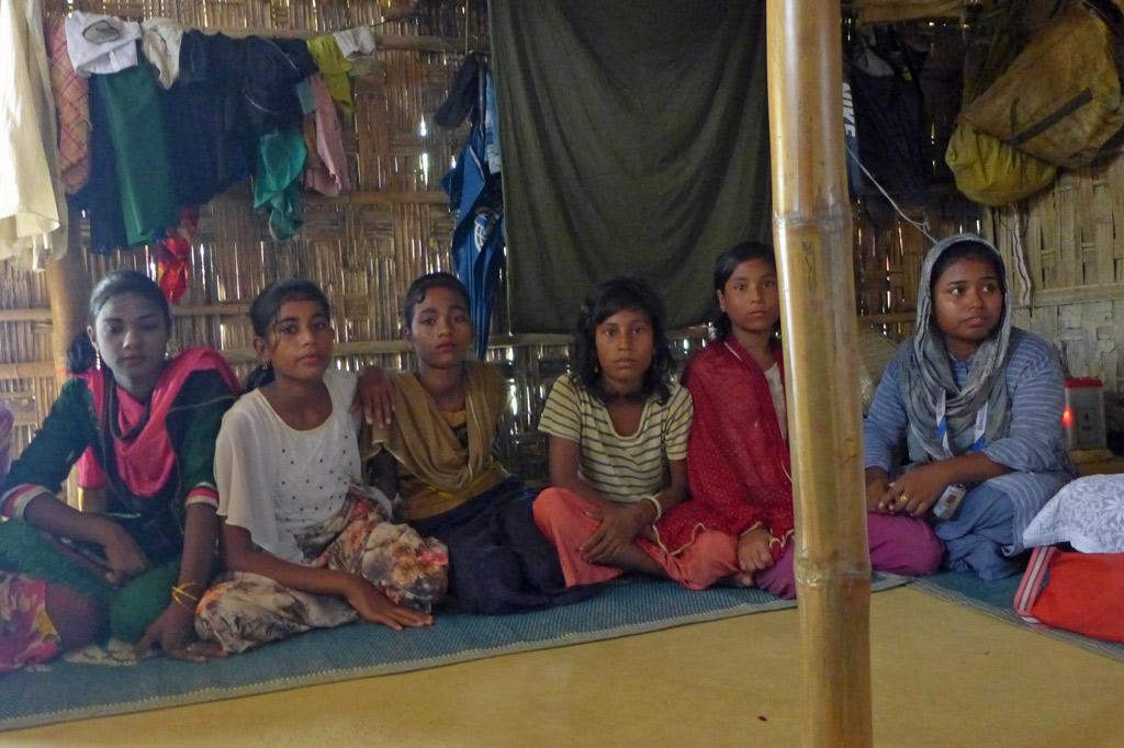 Das Jugendkomitee, gewählt von Kindervollversammlung des Lagerblocks, vertritt die Interessen der Kinder und Jugendlichen.